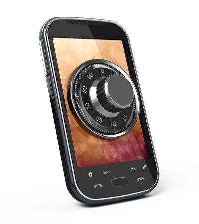 smartphone, lucchetto, sicurezza informatica_Shutterstock