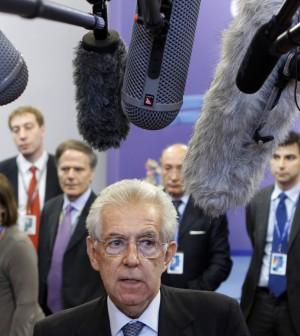 """Monti: """"Bene lo scudo anti-spread ma l'Italia non intende utilizzarlo"""""""
