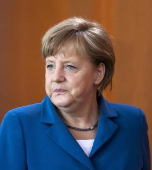 """Merkel: """"Non mi faccio illusioni"""" Hollande: """"Pieno appoggio a Monti"""""""