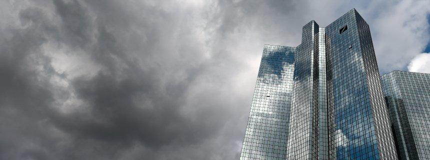 Risultati immagini per icebergfinanza deutsche bank