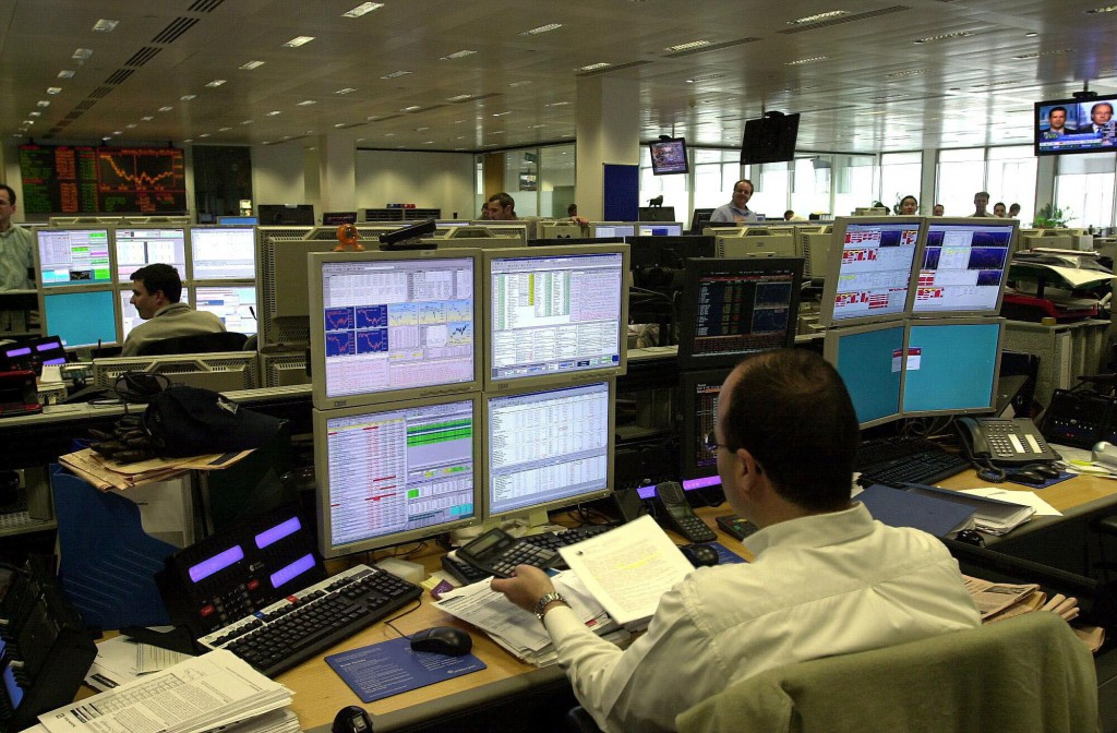 4File photo dated 20/02/03 of the trading floor of JP Morgan in the City of London, as the FTSE 100 Index today rose to more than 7,000 points for the first time in its history. PRESS ASSOCIATION Photo. Issue date: Friday March 20, 2015. See PA story CITY FTSE. Photo credit should read: Michael Stephens/PA Wire