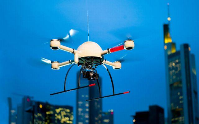 droni commerciali, rischi, vantaggi, traffico, patentino, normativa, assicurazione, allianz, ricerca