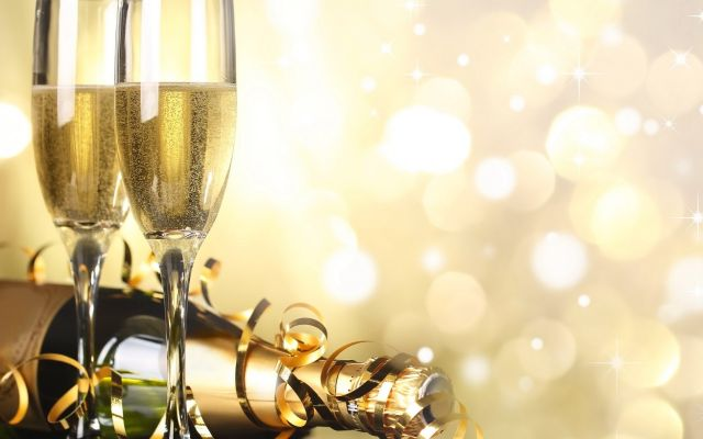 capodanno, 2017, san silvestro, festa, festeggiamenti, mal di testa, rimedi, festa