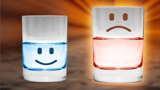 bicchiere-mezzo-pieno-mezzo-vuoto